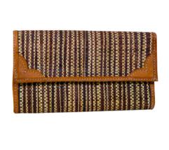 brown-raffia-purse