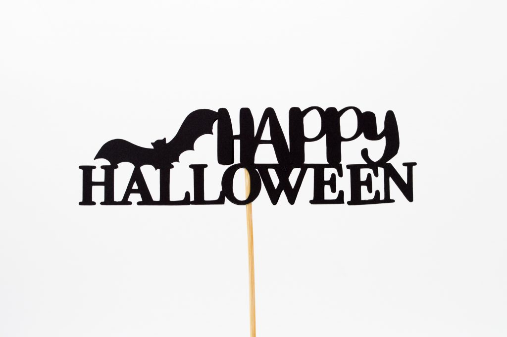 sustainable-sophisticated-halloween-decorations