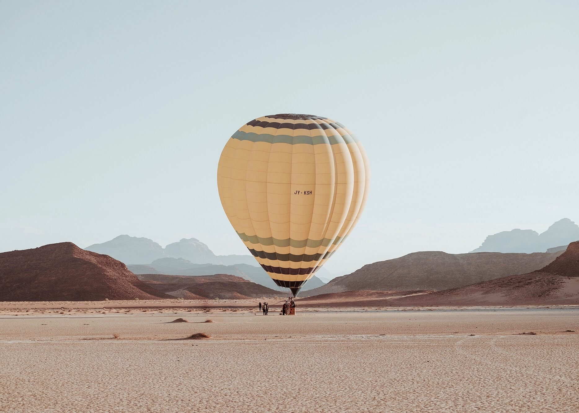 Emilie Ristevski photo of hot air balloon in the desert
