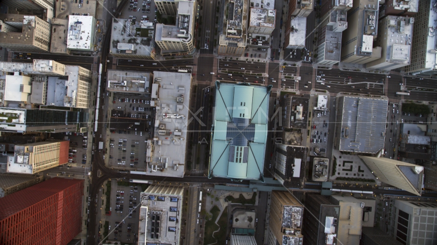 A bird's eye view of S State Street and the Harold Washington Library Center, Downtown Chicago, Illinois Aerial Stock Photos | AX0001_141.0000275F