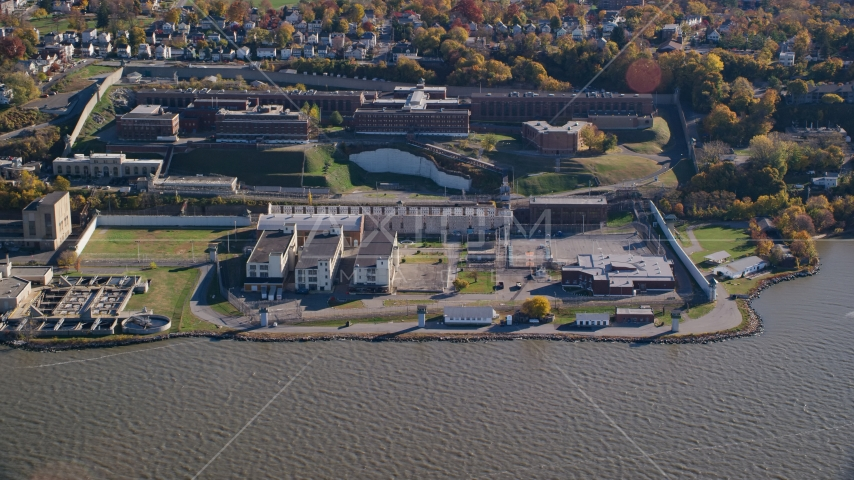 The Sing Sing Prison facility in Autumn, Ossining, New York Aerial Stock Photo AX119_121.0000225F | Axiom Images