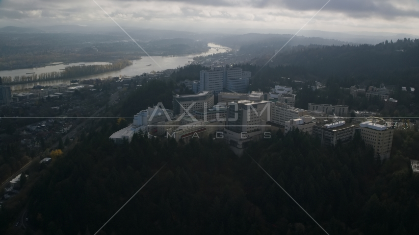 The hilltop Oregon Health and Science University in Portland, Oregon Aerial Stock Photos AX153_119.0000000F | Axiom Images