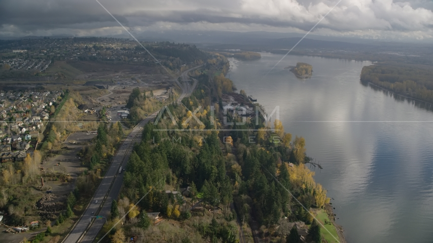 Riverfront homes between Highway 14 and the Columbia River in Vancouver, Washington Aerial Stock Photos | AX153_144.0000281F