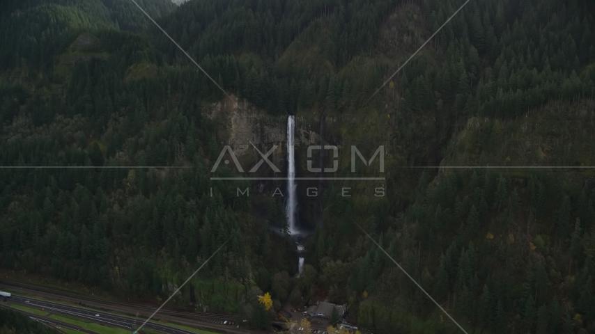 Multnomah Falls in Columbia River Gorge, Multnomah County, Oregon Aerial Stock Photo AX154_020.0000226F | Axiom Images