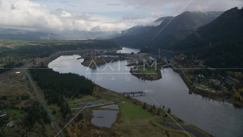 The Bonneville Dam and the Columbia River in the Columbia River Gorge Aerial Stock Photo AX154_028.0000000F | Axiom Images