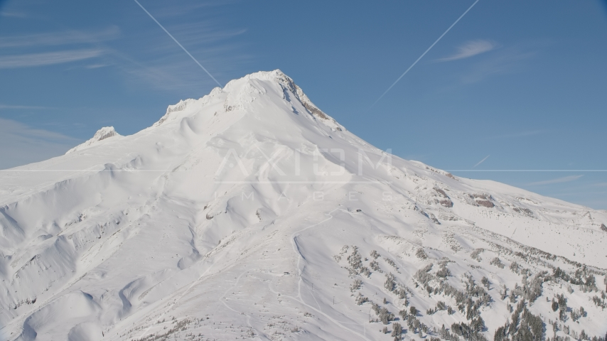 Snow on the slopes of Mount Hood, Cascade Range, Oregon Aerial Stock Photo AX154_097.0000136F | Axiom Images