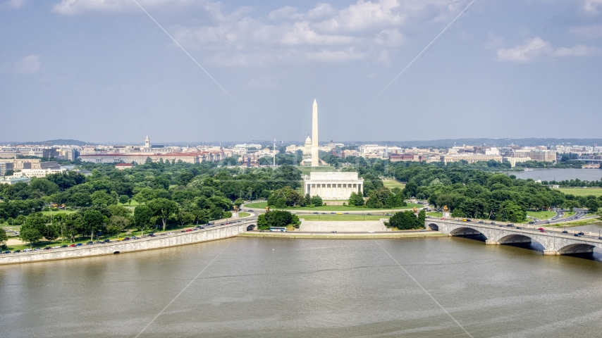 The Washington Monument and Lincoln Memorial in Washington DC Aerial Stock Photos | AXP075_000_0020F