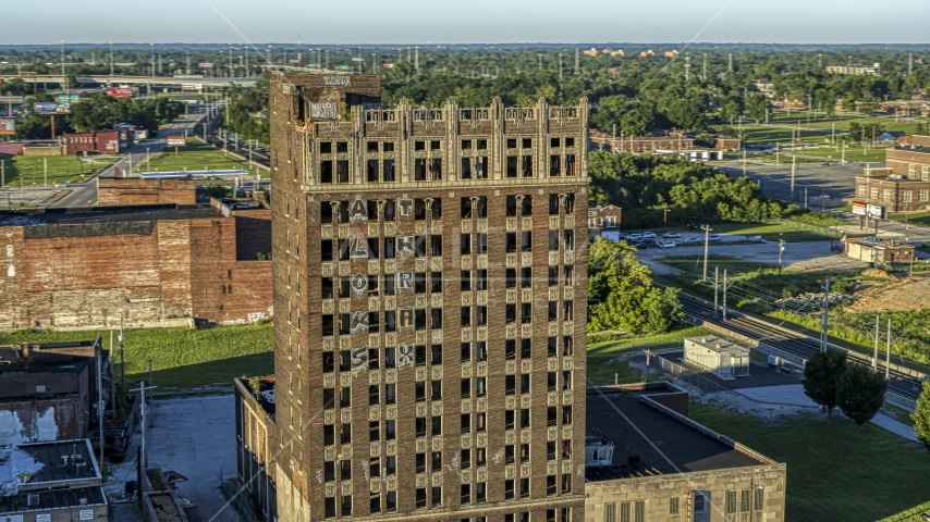 An abandoned brick building in East St. Louis, Illinois Aerial Stock Photos | DXP001_027_0001