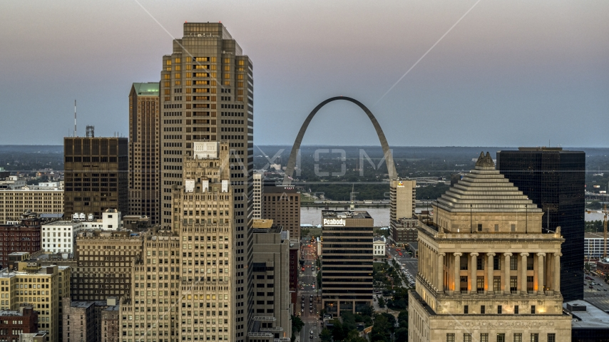 A view of the Gateway Arch from courthouse at twilight, Downtown St. Louis, Missouri Aerial Stock Photos | DXP001_036_0008