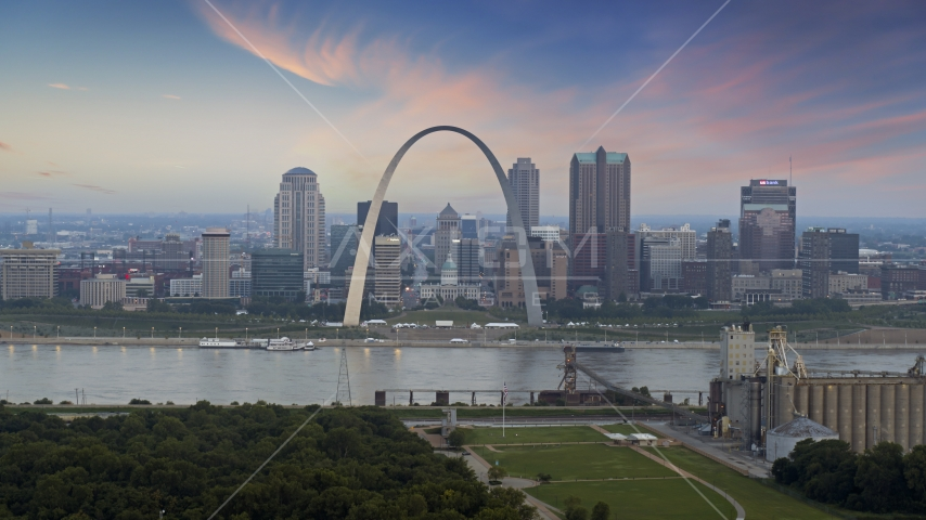 Gateway Arch and the skyline of Downtown St. Louis, Missouri, at twilight Aerial Stock Photos | DXP001_037_0009
