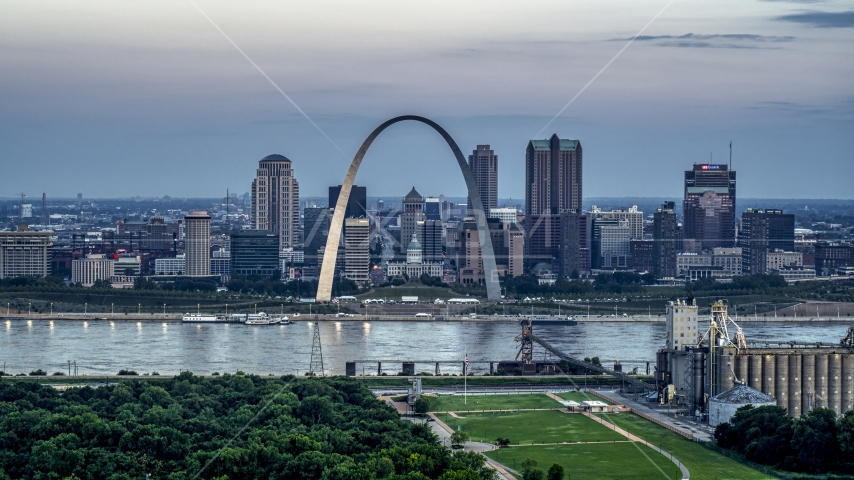 View of the Gateway Arch and the skyline of Downtown St. Louis, Missouri, at twilight Aerial Stock Photos | DXP001_037_0016