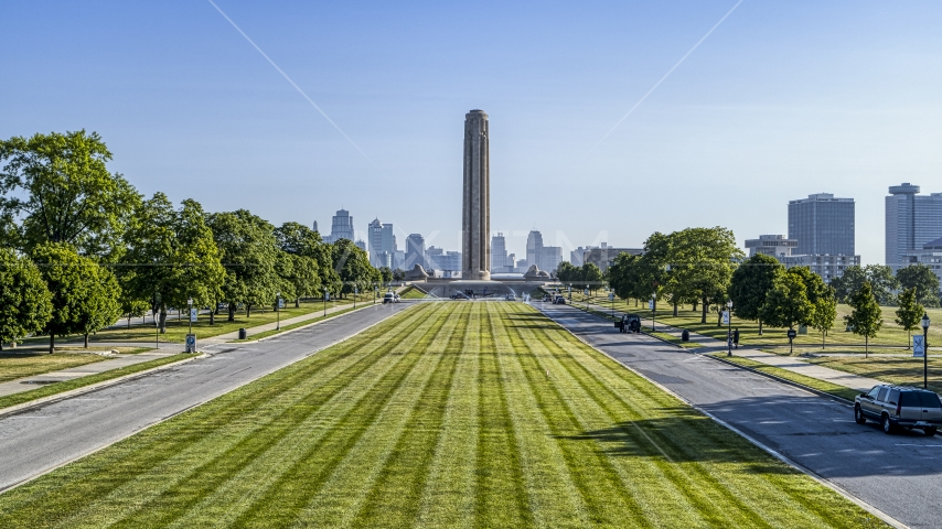 A view of the WWI memorial from green lawn in Kansas City, Missouri Aerial Stock Photos | DXP001_043_0009