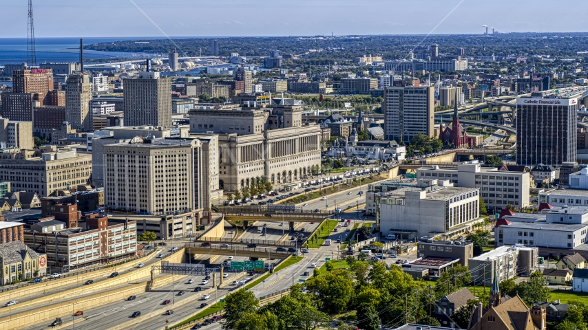 A courthouse beside the I-43 freeway in Milwaukee, Wisconsin Aerial Stock Photos | DXP002_152_0002