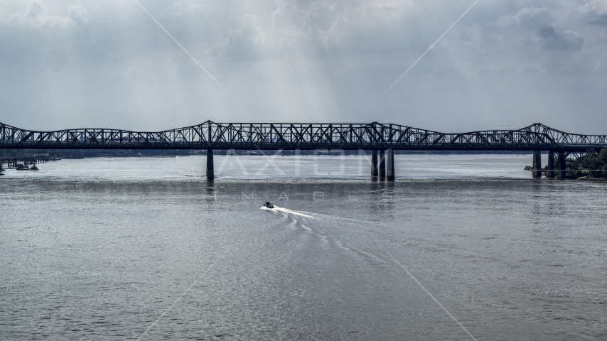 A boat speeding across the Mississippi River toward Harahan Bridge, Memphis, Tennessee Aerial Stock Photos | DXP002_183_0006