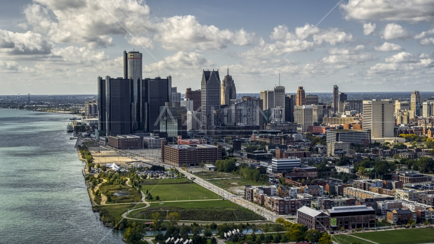 The GM Renaissance Center skyscraper and the city's skyline, Downtown Detroit, Michigan Aerial Stock Photos | DXP002_194_0002