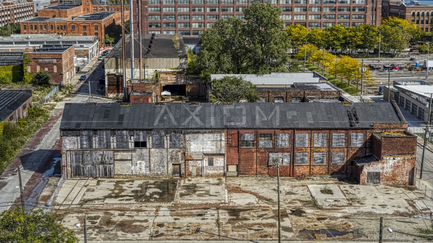 An abandoned factory building in Detroit, Michigan Aerial Stock Photos | DXP002_194_0004