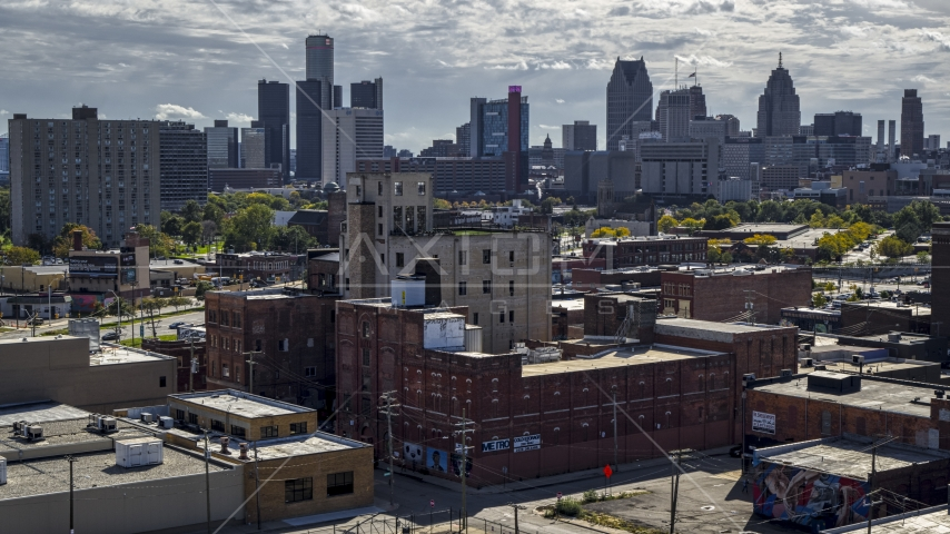A brick warehouse building in Detroit, Michigan Aerial Stock Photos | DXP002_194_0012
