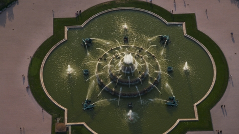 AX0001_098.0000133F - Aerial stock photo of A bird's eye view of Buckingham Fountain in Grant Park, Chicago, Illinois