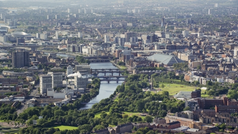 AX110_190.0000032F - Aerial stock photo of A city view with the River Clyde, Glasgow, Scotland