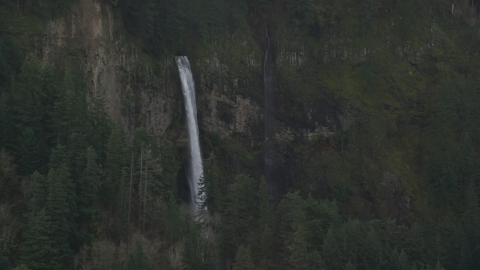 AX154_021.0000154F - Aerial stock photo of A view of Multnomah Falls on the Oregon side of Columbia River Gorge