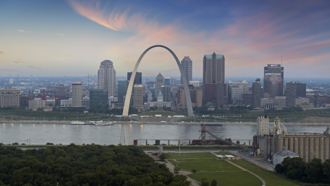 DXP001_037_0009 - Aerial stock photo of Gateway Arch and the skyline of Downtown St. Louis, Missouri, at twilight
