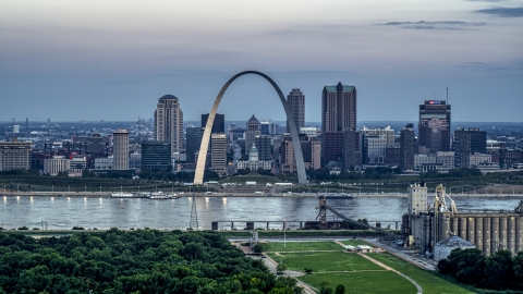 DXP001_037_0016 - Aerial stock photo of View of the Gateway Arch and the skyline of Downtown St. Louis, Missouri, at twilight