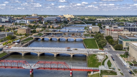 DXP002_165_0005 - Aerial stock photo of Several bridges spanning the river in Des Moines, Iowa