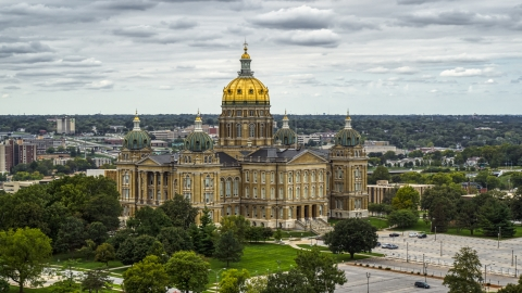 DXP002_165_0019 - Aerial stock photo of The Iowa State Capitol building in Des Moines, Iowa