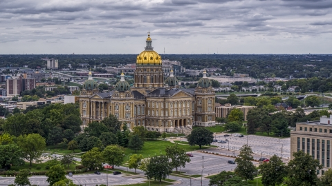 DXP002_166_0004 - Aerial stock photo of The Iowa State Capitol building in Des Moines, Iowa