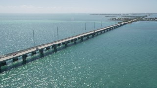 AX0025_146 - 5K stock footage aerial video of the Overseas Highway to Conch Key, Marathon, Florida