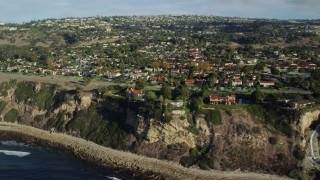 AX0161_032 - 8K stock footage aerial video of mansions on seaside cliffs in Palos Verdes Estates, California
