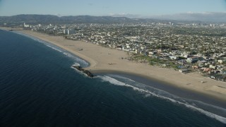 AX0161_062 - 8K stock footage aerial video of Windward Plaza and the Muscle Beach area of Venice Beach in Venice, California