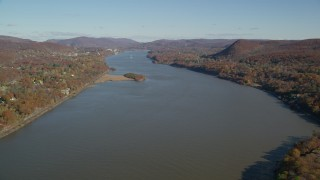 AX119_158 - 6K stock footage aerial video of the Hudson River in Autumn, New York