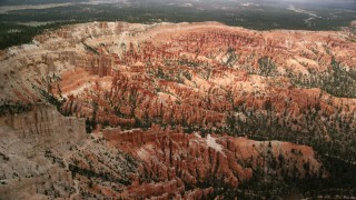 AX130_477 - 6K stock footage aerial video of hoodoos and buttes at Bryce Canyon National Park, Utah