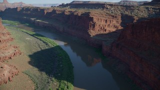 AX138_084 - 6K stock footage aerial video of the Colorado River in Goose Neck, Meander Canyon, Canyonlands National Park, Utah