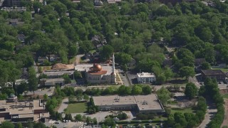 AX37_084 - 5K stock footage aerial video of Al-Farooq Masjid, Atlanta, Georgia