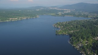 AX48_016 - 5K stock footage aerial video of waterfront homes in Issaquah on the shore of Lake Sammamish, Washington