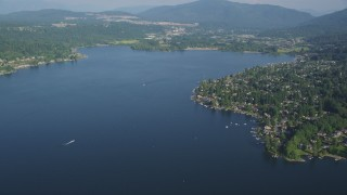 AX48_017 - 5K stock footage aerial video of lakeside Issaquah homes on the shore of Lake Sammamish, Washington