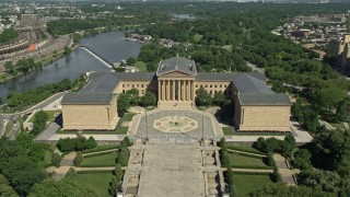 AX82_018E - 5K stock footage aerial video approaching The Oval park and Philadelphia Museum of Art, Pennsylvania