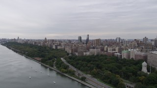 AX84_030 - 4K stock footage aerial video Flying by Riverside Park, Upper West Side, New York, New York