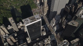 AX87_081 - 4K stock footage aerial video Flying over Midtown Manhattan, revealing Upper East Side, New York, New York