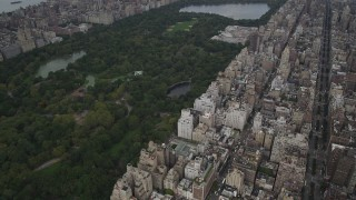 AX87_152 - 4K stock footage aerial video Upper East Side, reveal Central Park, Metropolitan Museum of Art, New York