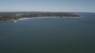 AX91_126 - 4K stock footage aerial video of tilting from Long Island Sound revealing coastal community of Milford, Connecticut