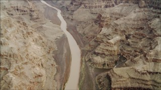 DCA04_025 - 4K stock footage aerial video tilt from a bird's eye view of Colorado River in Grand Canyon, Arizona