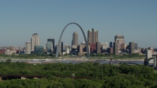 DX0001_000573 - 5.7K stock footage aerial video of Arch and museum among skyline, Downtown St. Louis, Missouri