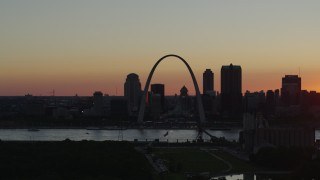 DX0001_000732 - 5.7K stock footage aerial video of the Gateway Arch and city skyline of Downtown St. Louis, Missouri, sunset