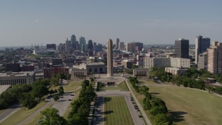 DX0001_001107 - 5.7K stock footage aerial video of the WWI memorial and the Downtown Kansas City, Missouri skyline