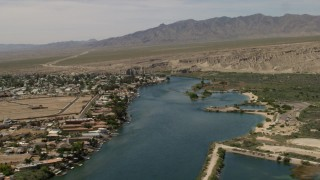 FG0001_000018 - 4K stock footage aerial video of homes with docks on the Colorado River in Bullhead City, Arizona