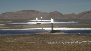 FG0001_000178 - 4K stock footage aerial video of power towers and mirrors of the Ivanpah Solar Electric Generating System in California