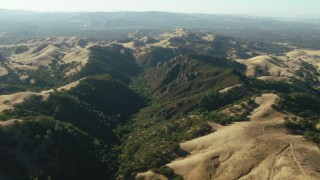 TS01_138 - 1080 stock footage aerial video of the foothills of Mount Diablo, California